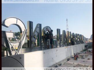 Sản xuất biển quảng cáo trên nóc tòa nhà